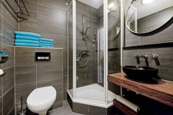 4-persoonskamer-badkamer