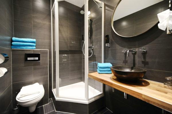 5-persoonskamer-terras-badkamer